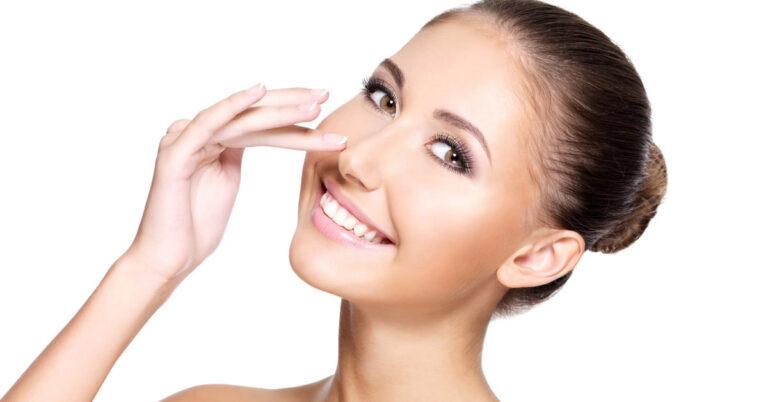 Operacja plastyczna nosa - wszystko co chciałabyś wiedzieć!