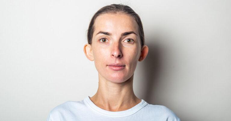 Operacja plastyczna uszu - jak wygląda operacja i dla kogo jest wskazana?